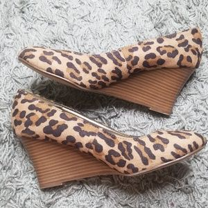 NEW DEXTER LEOPARD WEDGE SHOES 8.5